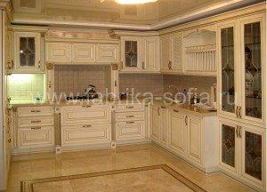 Кухня в классическом итальянском стиле.