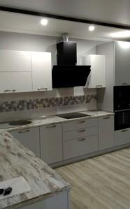Современный кухонный гарнитур в стиле Модерн